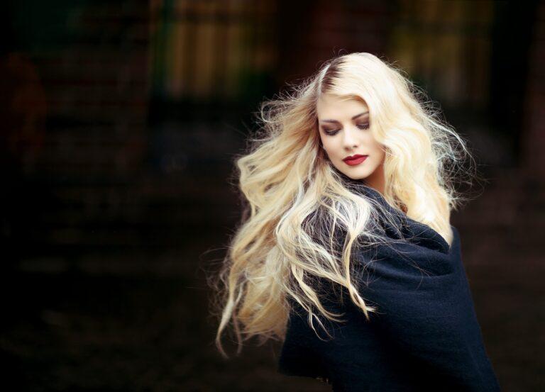 Přirozeně světlé vlasy